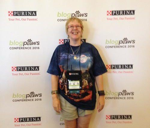 Mountain Art T-shirt BlogPaws, blogpaws t shirt, blue t-shirt, animals on a tshrt