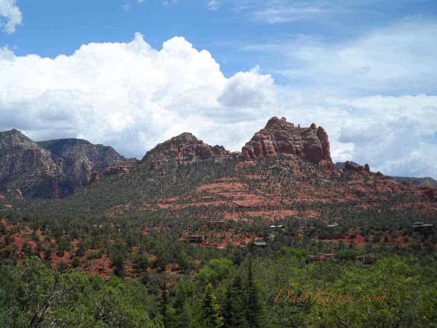 Distant photograph of Sedona Mountains