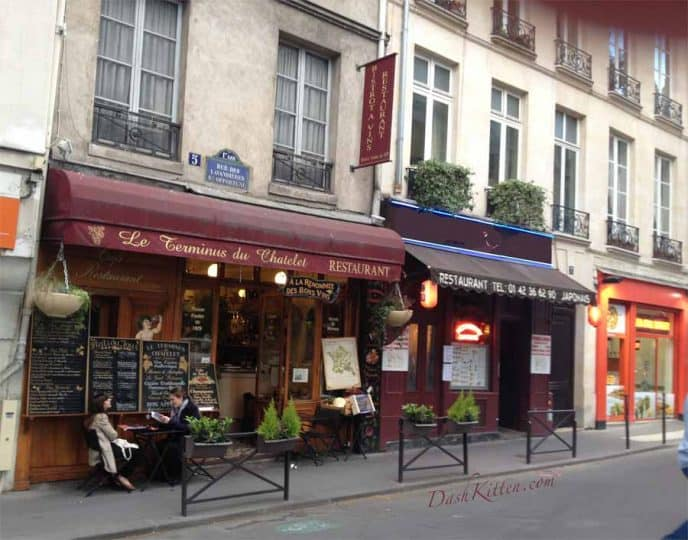 Paris Restaurant Vintage Look  Image